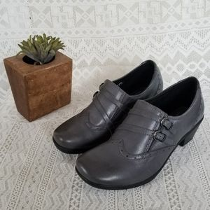 Earth Origins Grey Leather Wigtip Loafer Size 8.5